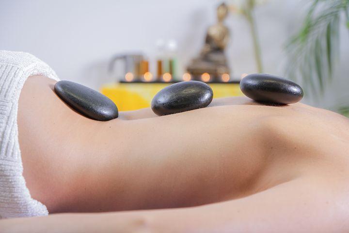 Le point sur le massage aux pierres chaudes
